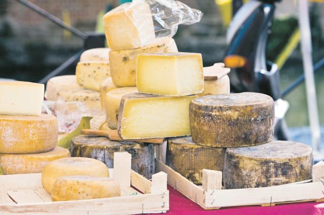 Cercetătorii spun că brânza previne caria dentară